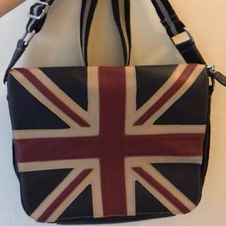 England logo sling bag