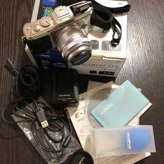 Olympus PEN E-P3 12.3 MP (14-22mm) Digital Camera (Silver)