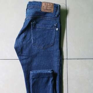 Celana jeans Nevada size 2