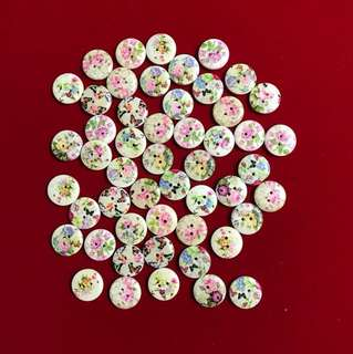 Floral wooden scrapbooking buttons