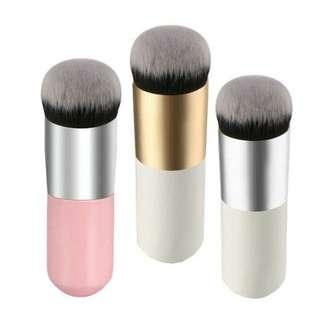 🎀 Kabuki Foundation Brush