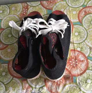 Children shoe size 38