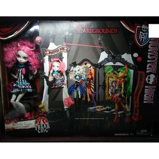 MONSTER HIGH Freak Du Chic Circus Scaregrounds Playset with Rochelle Goyle Doll