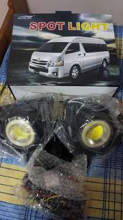 hiace fog light (angle eyes)