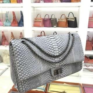 Chanel 氣質巴黎灰特殊皮雙蓋Jumbo🐘未使用品狀態☝🏻價格超級好[掩面]