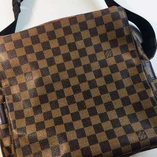 Louis Vuitton Damier Ebene Messenger Bag 100% authentic