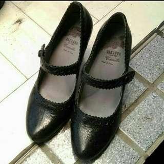 🚚 只穿一次近新麥坎納Macanna瑪麗珍高跟鞋