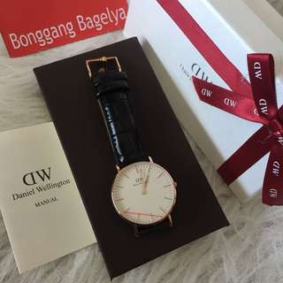 Daniel Wellington Watch - Authentic
