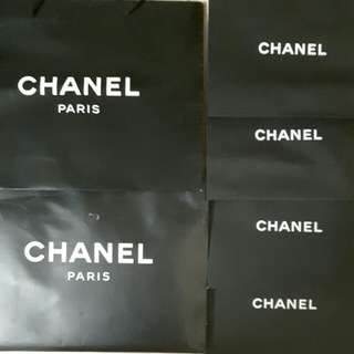 Chanel 纸袋 大43.5x33.5cm $50 小30x24cm$50