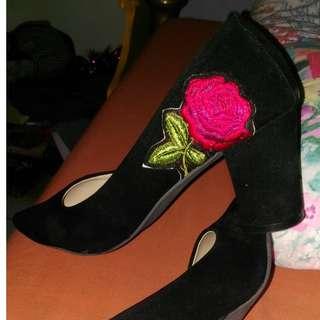 Sepatu highheels ondangan