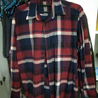 uniqlo flannel red and blue