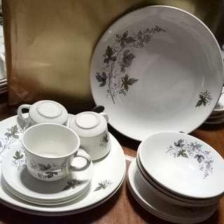 plate, bowl, cup & saucer set