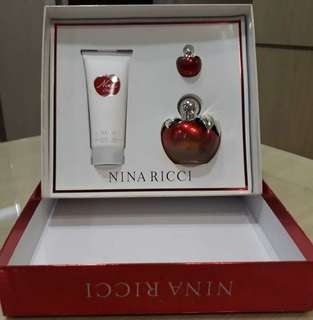 Nina Ricci Parfume Set Made In France Original