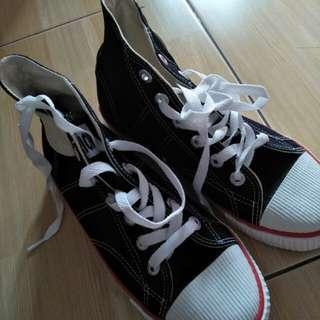 Sepatu warriors vintage
