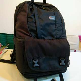 Lowerpro Fastpack 250 DSLR Camera backpack