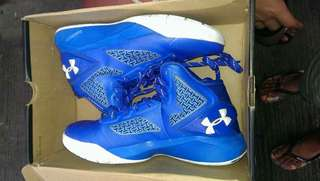 buy me . new Year new shoes Under Armor  One day use po in good cond. lahat kita nman sa picture.          size Us 4.5 23.9 cm