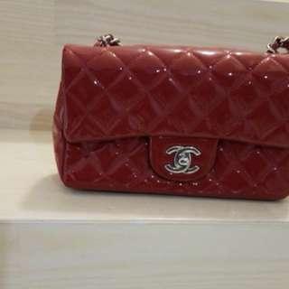 Chanel 紅色漆皮 有卡