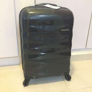 American tourister crystalite 20in cabin size Luggage