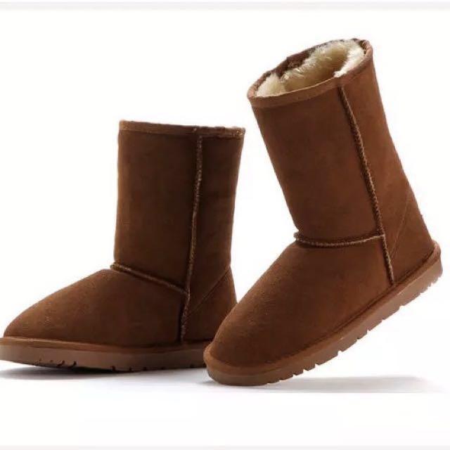 全新。中筒超暖雪靴(栗色39號)