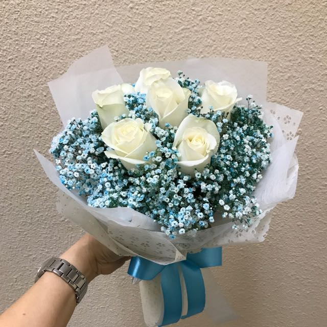6 Cream roses with blue baby breath bouquet