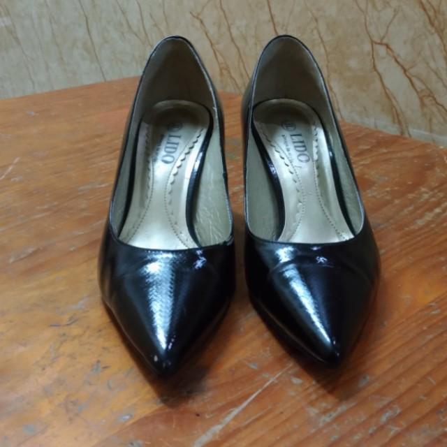 LIDO 專櫃 黑色亮面高根包鞋 23