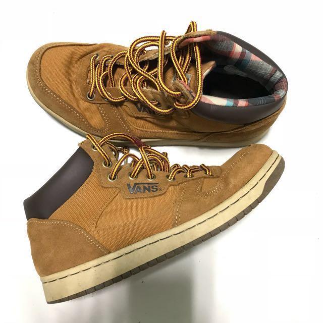 Authentic Vans Boots, Men's Fashion