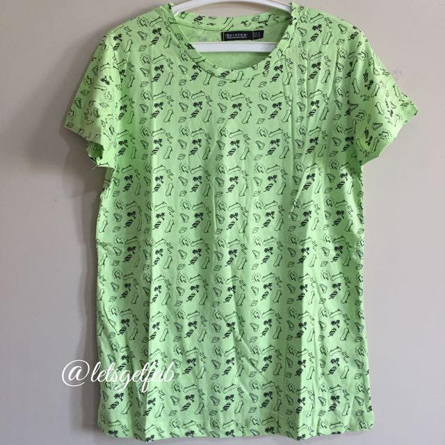 🌸Bershka Light Green Skater Printed Overrun tees t shirt