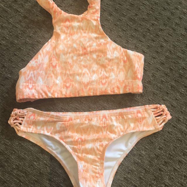 Billabong bikinis Sz 10