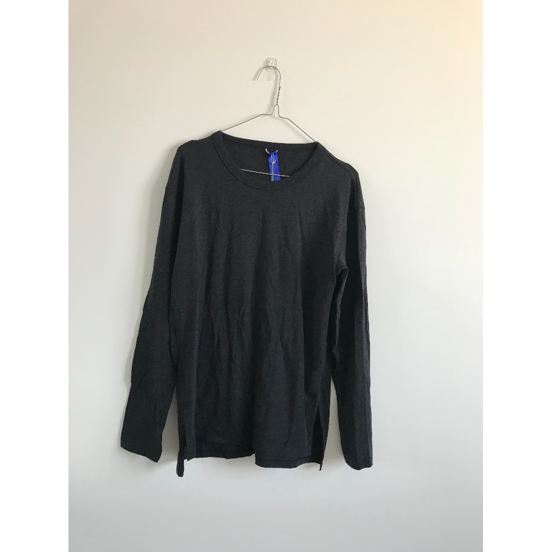 BNWT Kit & Ace Black/Charcoal Long Sleeve With Side Slits Top Size 10 RRP $100