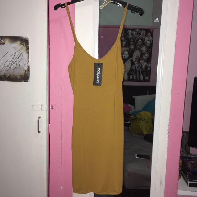 Boohoo mustard yellow bodycon dress