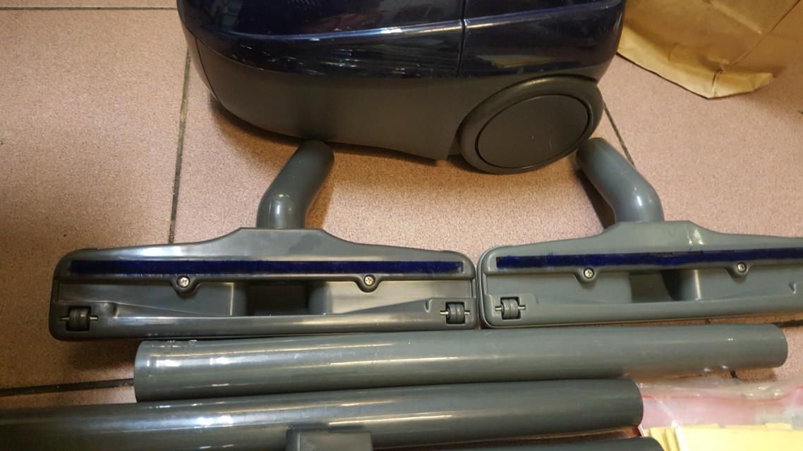 日立吸塵器CV c335 很新 沒用幾次