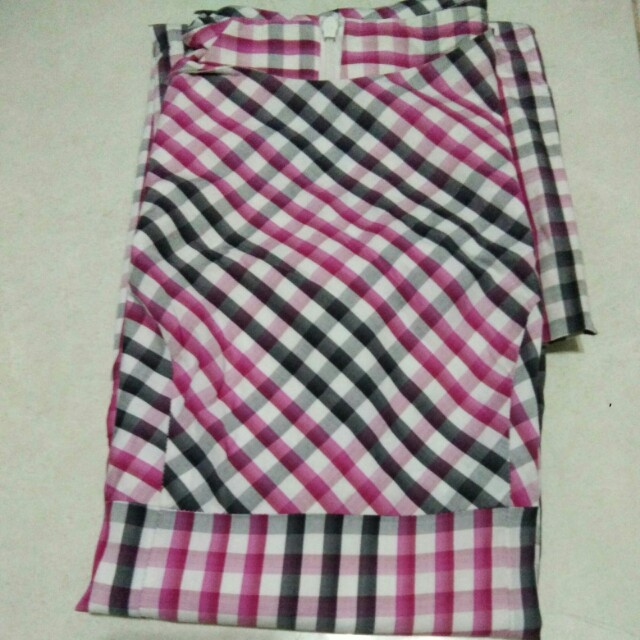 Dress Pink Kotak