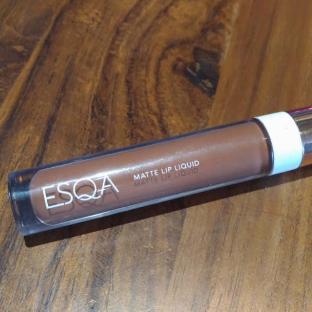 ESQA LIP MATTE SULTRY KITTY