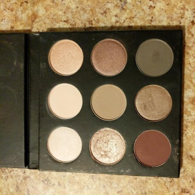 Eyeshadow palette (from Boxycharm)