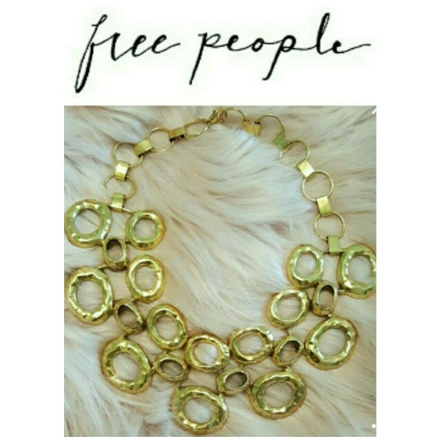Free People Gold Short Chunky Statement Necklace NWOT