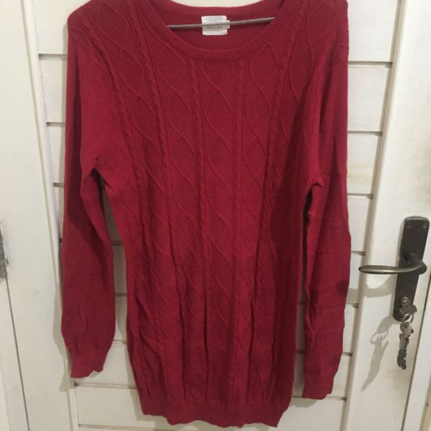 Gaudi red sweater