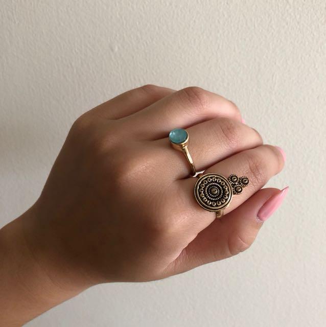 Gold Lovisa ring