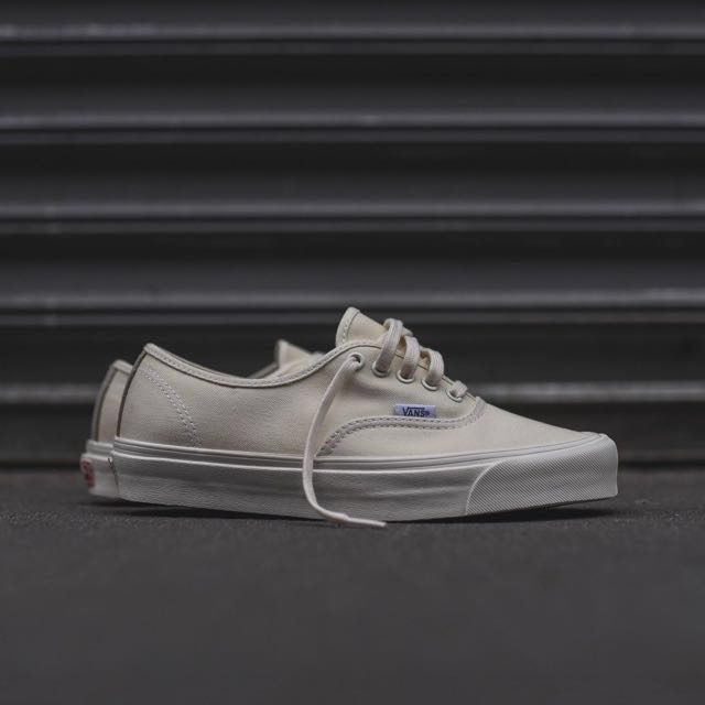 Instock  Vans Vault OG Authentic LX Cream 826cf10cc0