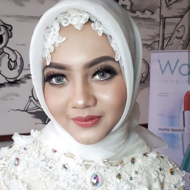 Jasa make up malang
