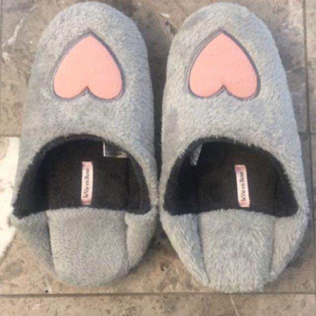 La Vie En Rose Fuzzy Slippers
