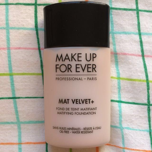 Make Up Forever Mat Velvet + Foundation