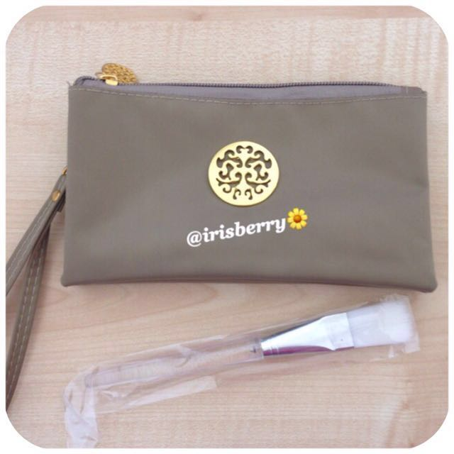 NEW Cosmetic / Makeup Pouch