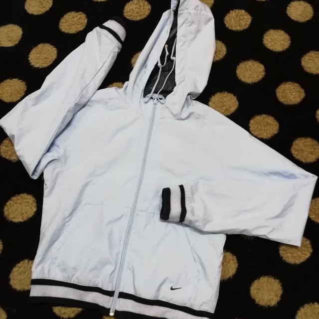 Nike hooded windbreaker
