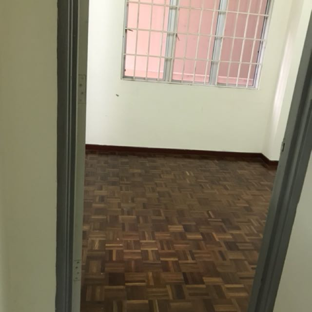 Room with toilet attached inside for couple near sek7/icity shah alam