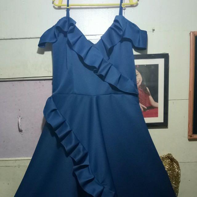 Ruffles cold shoulder dress