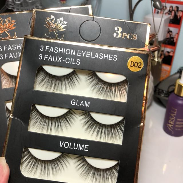 set of three false lashes