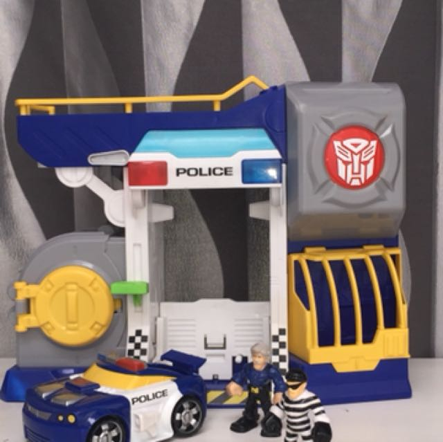 Set Transformer Police and Rescue bots ORI