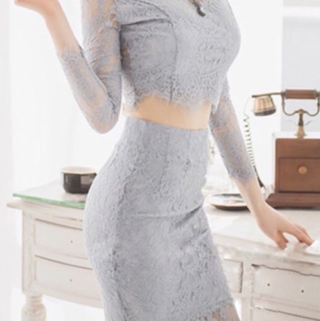 33b2e52db7 Sexy and classy Korean-style body-hugging long sleeve grey lace crop ...
