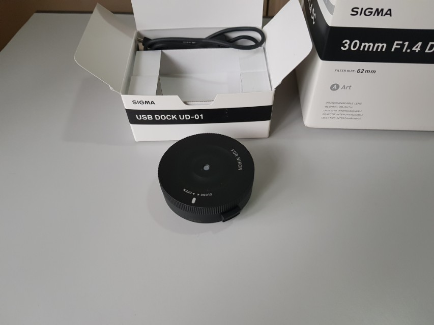 Sigma art 30mm f/1.4 for Nikon with USB dock