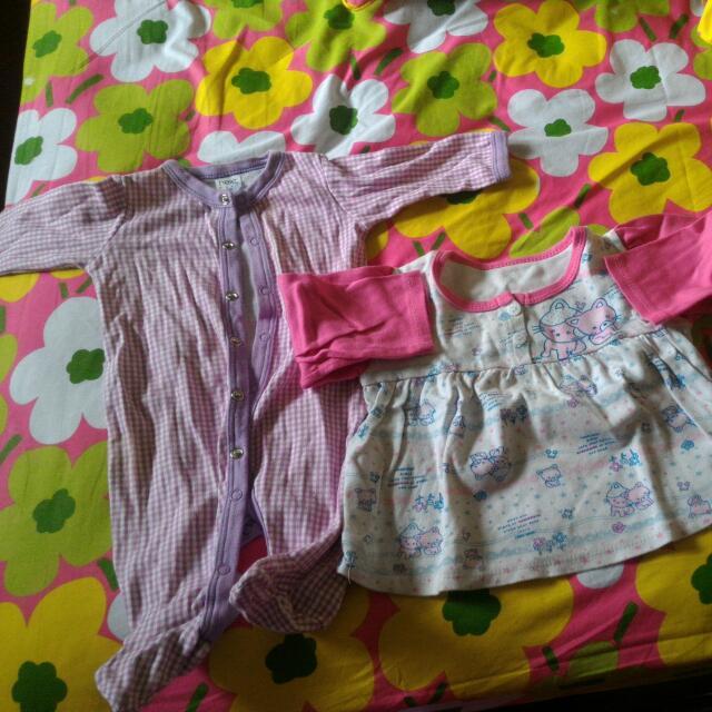 Sleepsuit Dan Atasan Bayi